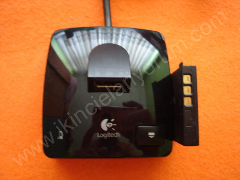 Logitech G7 Model C-UX34 Cradle Charger M/N L-LH9 & Battery L-LL11